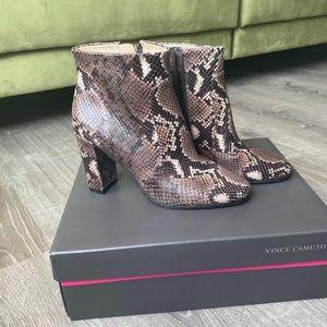 New Vince Camuto Sanstan Snake Skin Heeled Boots